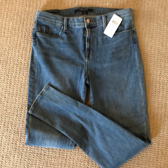J Brand Denim - J.Brand Photo Ready Mid Rise Jeans in Beloved